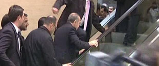 Bir merdiven kazası da Erdoğan atlattı