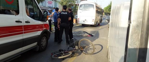 bisikletli kadına midibüs çarptı.jpg