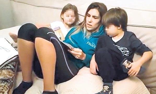 Blogger anne Nihan Kayalıoğlu, çocuklarını düşündüğü için eşinin iddialarına sessiz kaldığını söyledi.