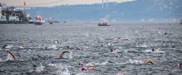 Boğaziçi Kıtalararası Yüzme Yarışı'nda rahatsızlanan yüzücü hayatını kaybetti