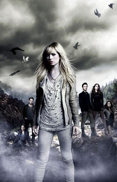 Başrol 'Cassie Blake'i Britt Robertson canlandırıyor.