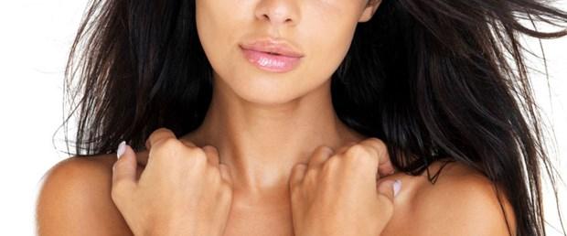 Büyük göğüsler yaşam kalitesini düşürüyor