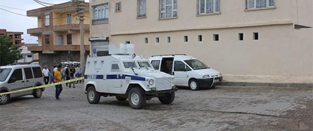 Cami avlusunda silahlı kavga: 2 ölü