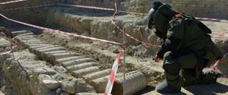 Seddülbahir Kalesi restorasyon çalışmaları esnasında bulunan top mermisi imha edildi.