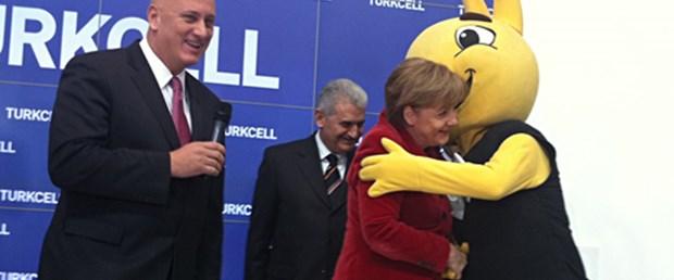 CeBIT Türkiye standına Merkel ilgisi