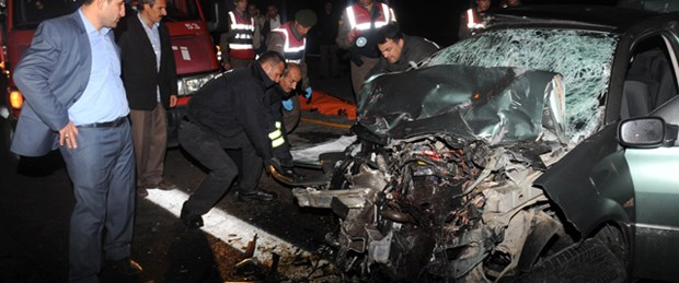 Cenaze konvoyunda kaza: 2 ölü