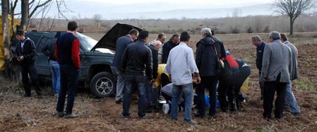 Cenaze törenine giden araç takla attı: 2 ölü