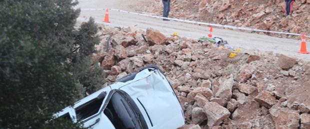 Cenaze yolunda kaza: 2 ölü