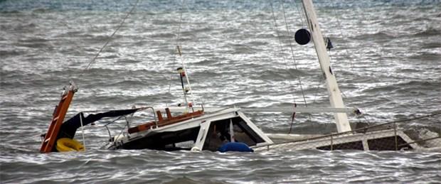 Çeşme'de tekne alabora oldu: 1 ölü, 1 kayıp