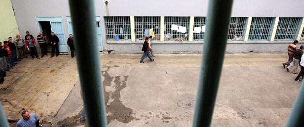Cezaevindeki her 4 kişiden 1'i tutuklu
