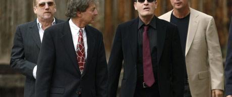 Charlie Sheen suçlu olduğunu kabul etti