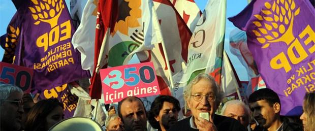 Chomsky İstanbul'da eylemde