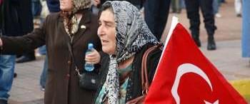 CHP'de ilk başörtülü aday