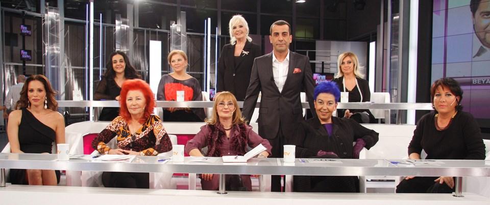 İlk programın konuğu Emre Karayel ve kadınlar...