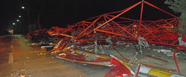 Çorlu'da fırtına uçak devirdi