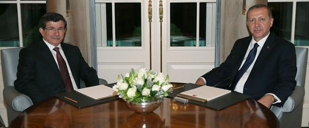 davutoglu-erdogan-8-6-2015.jpg