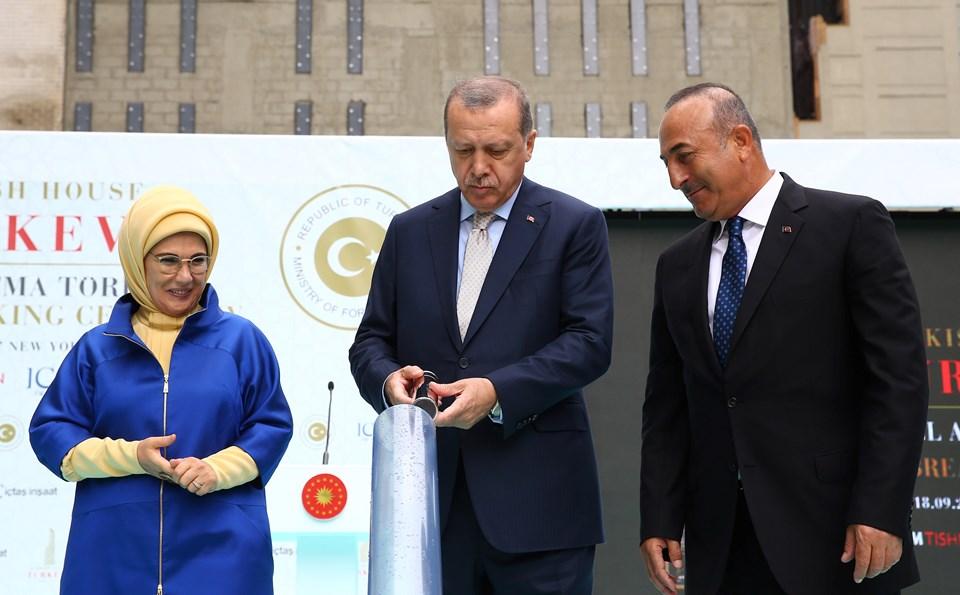 Cumhurbaşkanı Recep Tayyip Erdoğan, BM binasının karşısında bulunan yeni Türkevi binasının temel atma törenine katıldı.