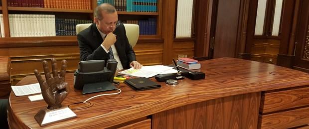 erdoğan-makam-masası.jpg