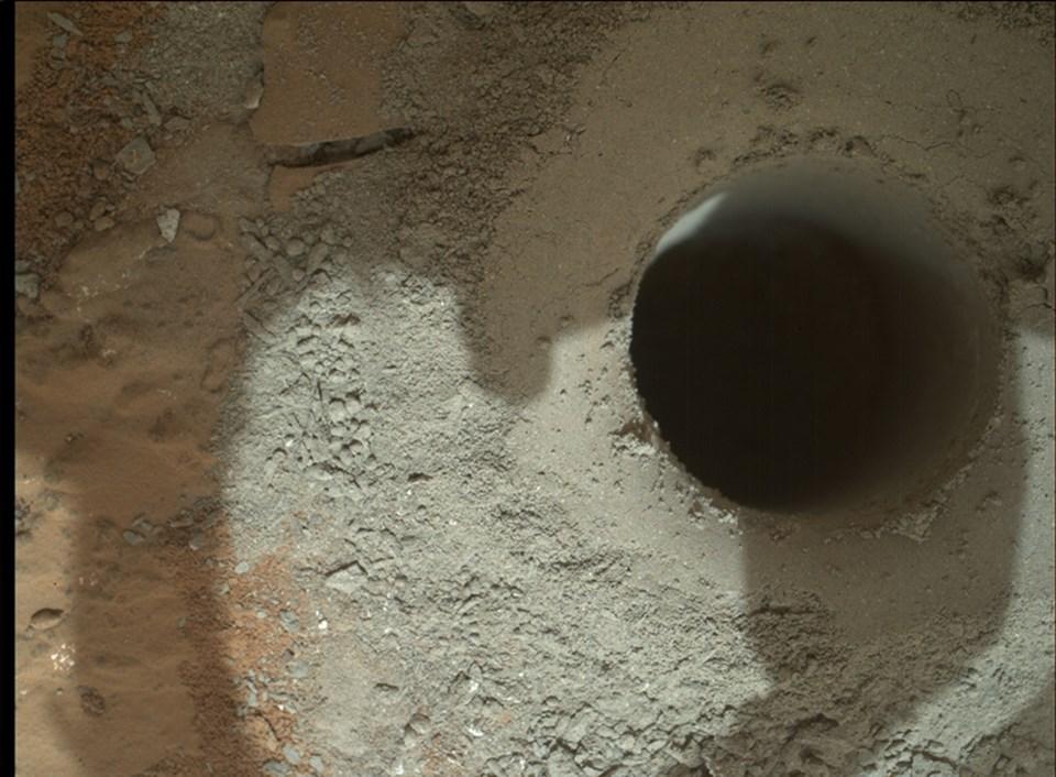 Curiosity'nin Şubat ayı başında yaptığı ilk sondajın ardından çektiği kare (Büyütmek için tıklayın).