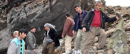 Dağlarda PKK'lı cesedi aradılar