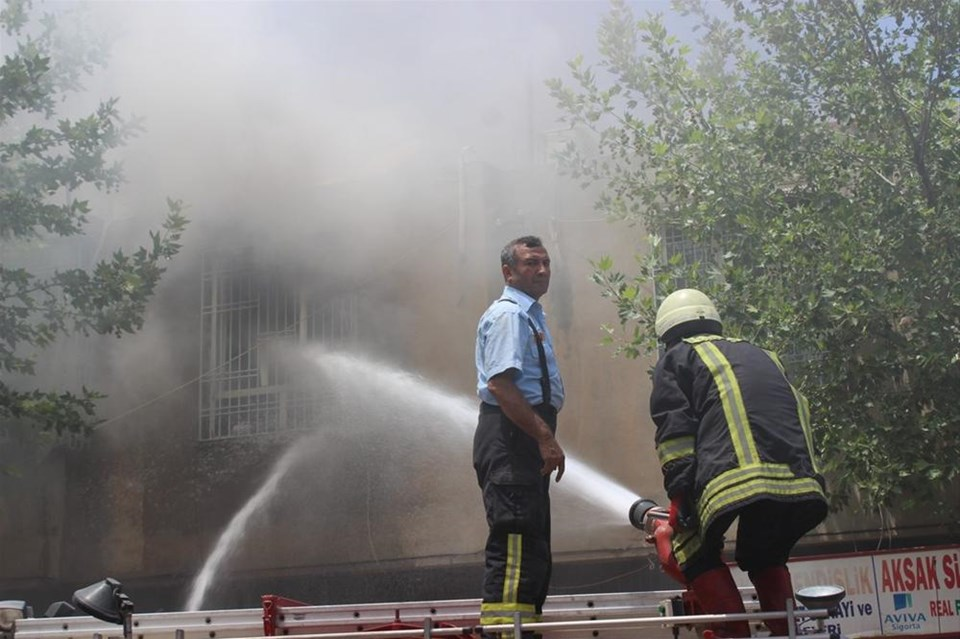 DEDAŞ binasını yaktılar
