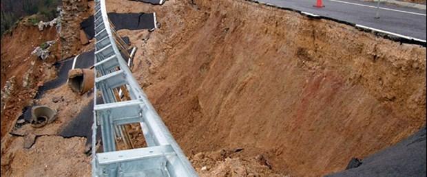 Depremzedeleri korkutan manzara