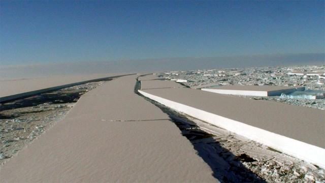 Geçtiğimiz Ocak ayında çekilen bir fotoğraf, Wilkins Buz Kütlesi'nde son yıllarda yaşananları özetliyor.