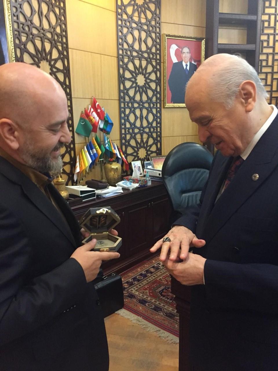 Takı tasarımcısı Servet Küçükdemirel ve MHP lideri Devlet Bahçeli