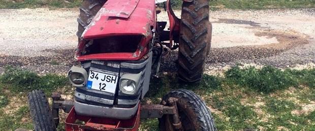 devrilen-traktorunun-altinda-kalan-ciftci-oldu_2350_dhaphoto1 (1).jpg
