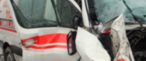 Diyaliz yolunda kaza: 4 ölü