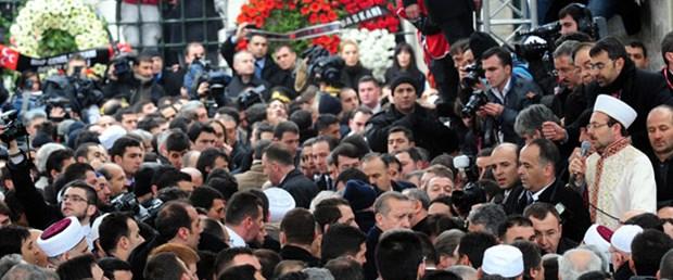 Diyanet Başkanı'nden Erbakan'a şiirle veda