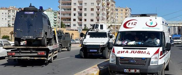 diyarbakır zırhlı polis araci devrildi.jpg