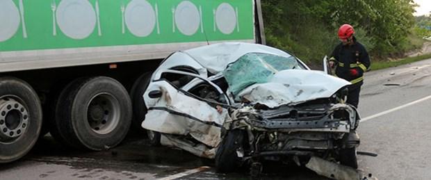 Doçent ve öğrencisi kazada öldü