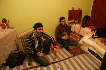 Doğubeyazıtlı Mehmet'in tek kişilk bekar odasına konuk olduk.