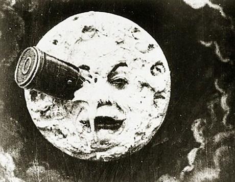 'Aya Yolculuk' Jules Verne'in dehasını beyazperdeye taşıyan ilk örneklerden biriydi.