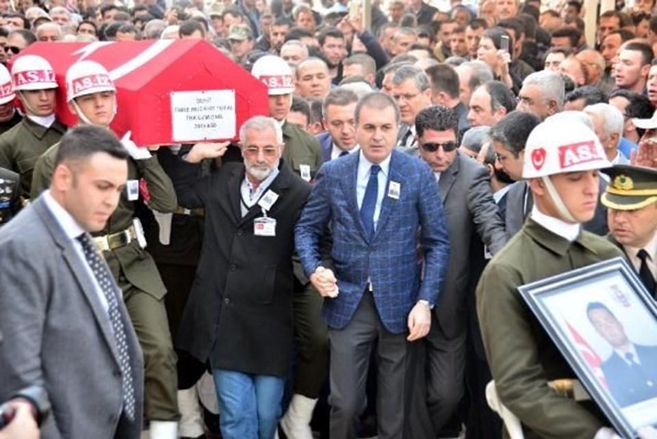 Avrupa Birliği Bakanı ve Başmüzakereci Ömer Çelik, şehit ailesini teselli etti