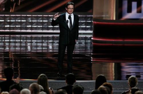 Gecenin en güzel karelerinden biri Michael J. Fox'un ayakta alkışlandığı sahneydi...