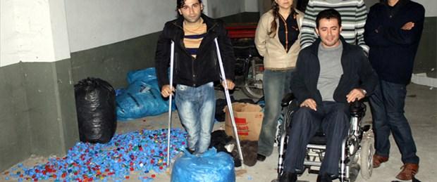 Engellilere ait mavi kapakları çaldılar