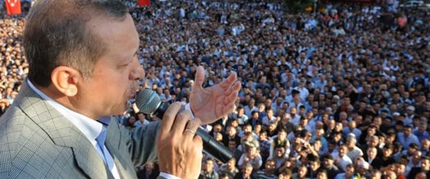 Erdoğan: Çözsün, yollarına gül dökerim