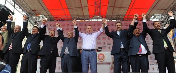 Erdoğan: Mitingde Türk bayrağı niye yoktu?