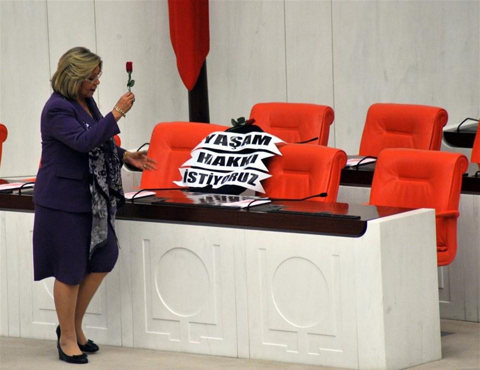 Erdoğan'ın koltuğuna siyah çelenk
