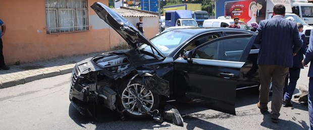 esenler-belediye-baskani-makam aracı kaza.jpg