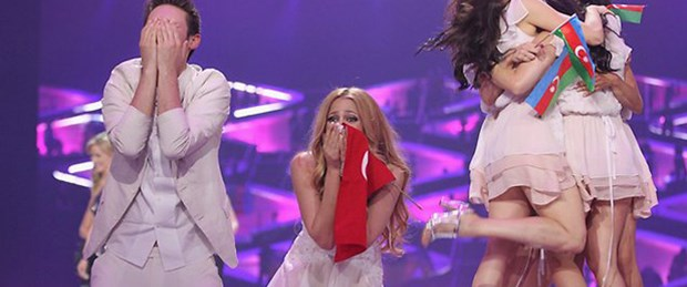 Eurovision'a 2 ülkeden daha darbe