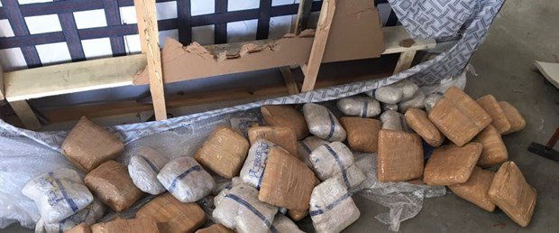 kargo-aktarma-merkezinde-384.5-kilo-eroin-ele-gecirildi.jpg