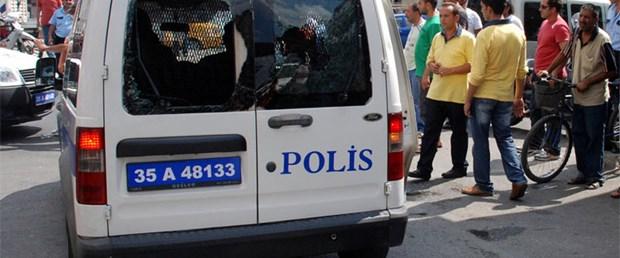 Firariyi yakalamak isteyen polise akraba taşı