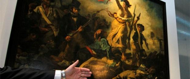 Fransız Devrimi'nin simgesine saldırı