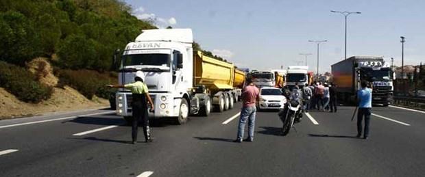 FSM'de eylem yapan kamyonlara ceza