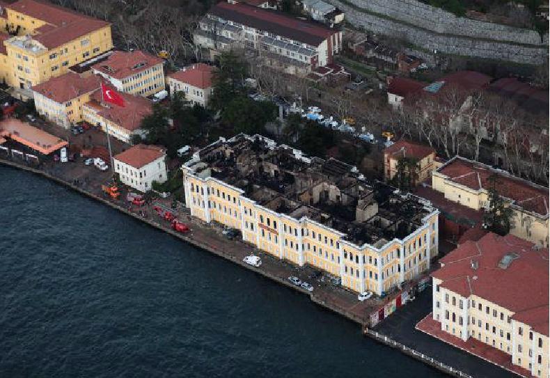 Galatasaray universitesi yangin fotograflari 63