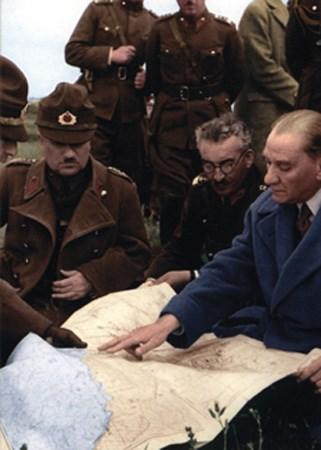 Genelkurmay'dan renkli Atatürk fotoğrafları