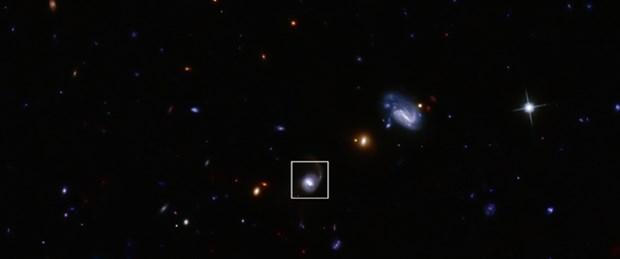 Görelilik teorisini doğrulayan karadelik